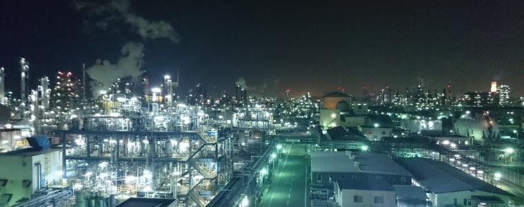 Fabrik_bei_Nacht.jpg