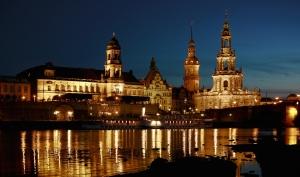 Dresden bei Nacht klein